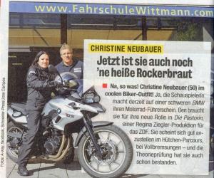 Christine-Neubauer-macht-den-Motorradfuehrerschein
